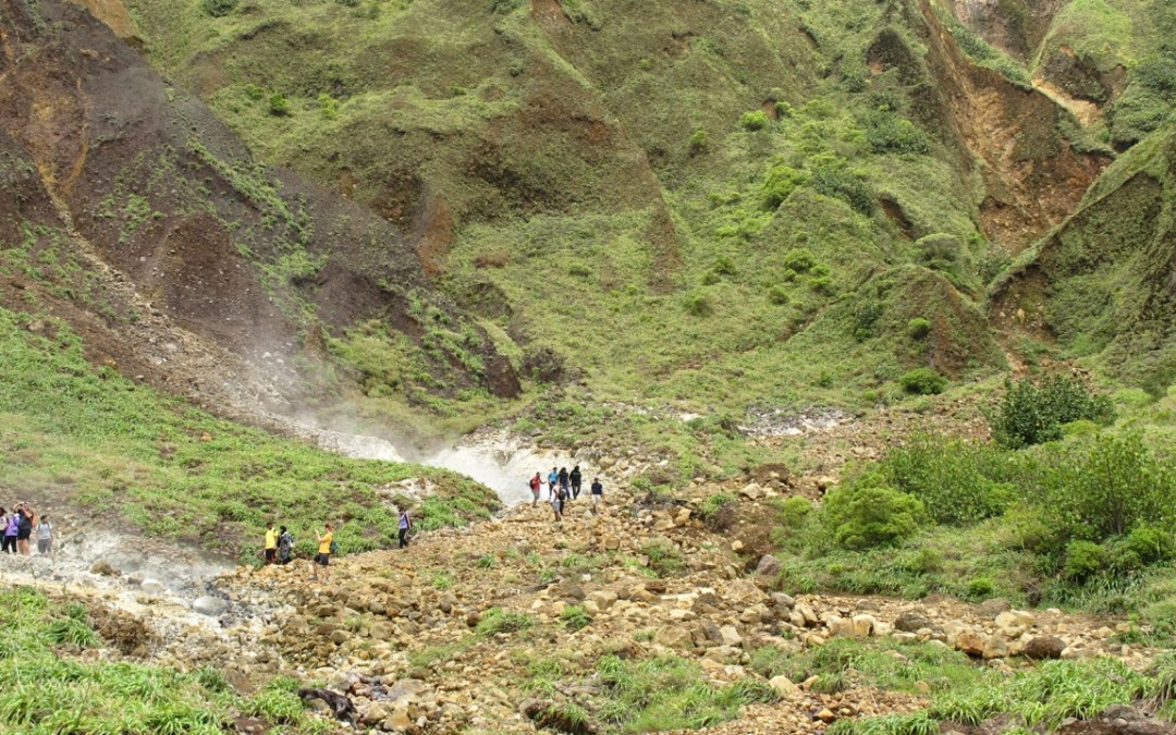 5 Favourite Things about Hiking to Dominica's Boiling Lake