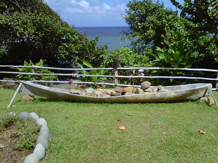 kalinago-canoe